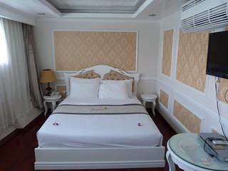 Habitación del barco en el que hicimos el crucero a la Bahía de Halong en Vietnam