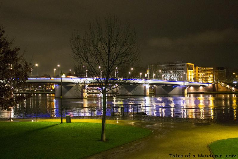 FRANKFURT AM MAIN - Friedensbrücke