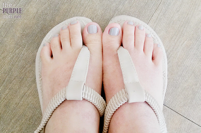 Essie Master Plan polish on my toes