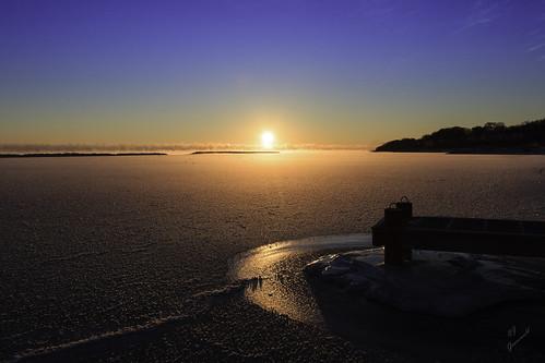 winter wisconsin sunrise canon pier frozen steam lakemichigan milwaukee tamron t3i wideanglephotography southshoreyachtclub tamronspaf1024mmf3545diiildasphericalif