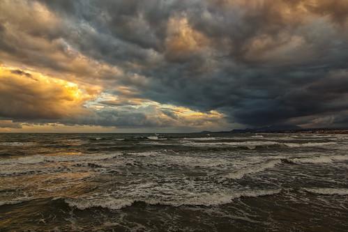 sea sky clouds sunrise waves crete rethymno κρήτη σύννεφα θάλασσα ανατολή ρέθυμνο ουρανόσ κύμστα