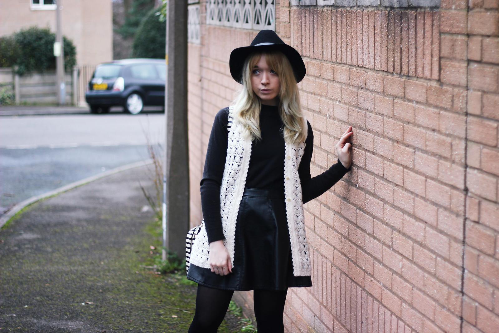 3-crochet-waistcoat-outfit, fashion-blogger-style, boho, mod