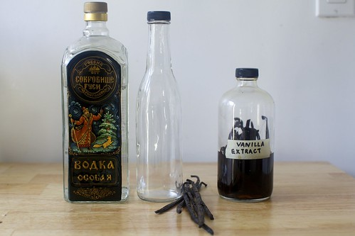 let's make vanilla extract!
