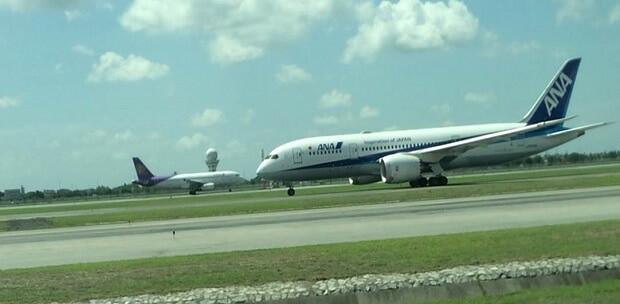 160615 スワンナプーム空港滑走路にて離陸前のANA機
