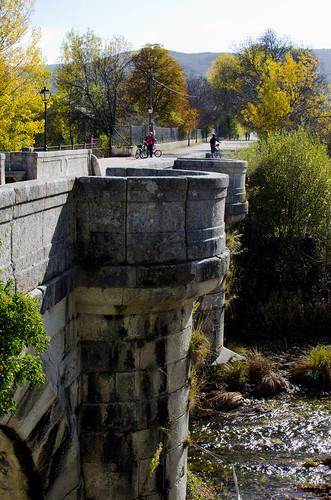 Vista del puente del Perdón y del río. Rascafría, Madrid