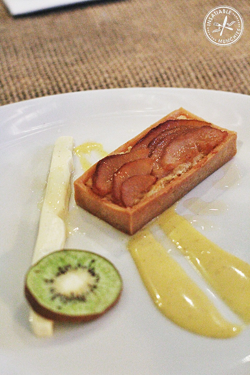 Smoked Pear Frangipane with Mascarpone Gel and Freeze Dried Kiwi