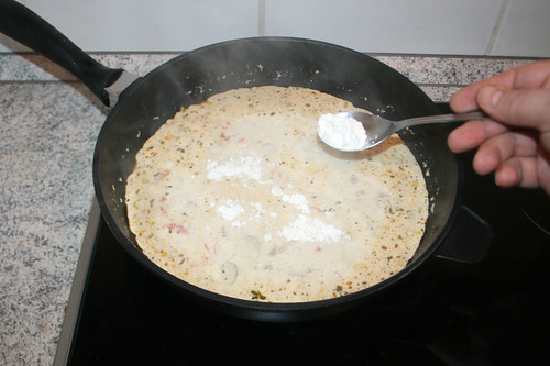 36 - Sauce mit Mehl binden / Thicken sauce with flour