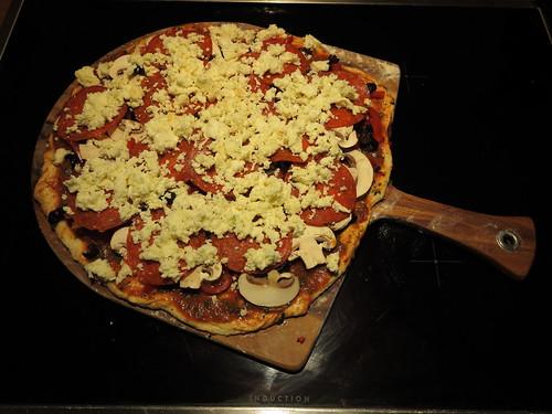 Pizza zur Einweihung unseres Pizzasteins