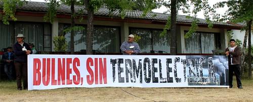 Manifestación en firma de acuerdo del Laja