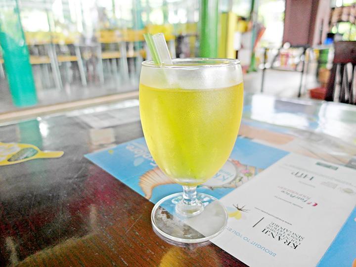 Bollywood Veggies lemongrass drink