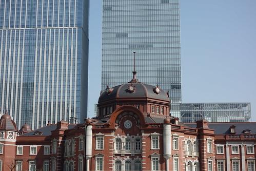 Tokyo Station_6 東京駅舎の北口ドームを撮影した写真。 古風な赤煉瓦造りである。