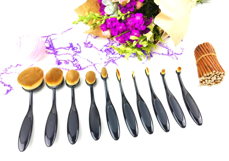 oval brushes, oval makeup brushes, are oval brushes worth the hype, oval makeup brush hype, mymakeupbrushset, artis elite, artis elite oval makeup brushes, makeup brushes, makeup, brushes, cosmetics, how to apply makeup, what brushes to use to apply makeup, best makeup brushes, oval brushes trending, trending makeup brushes