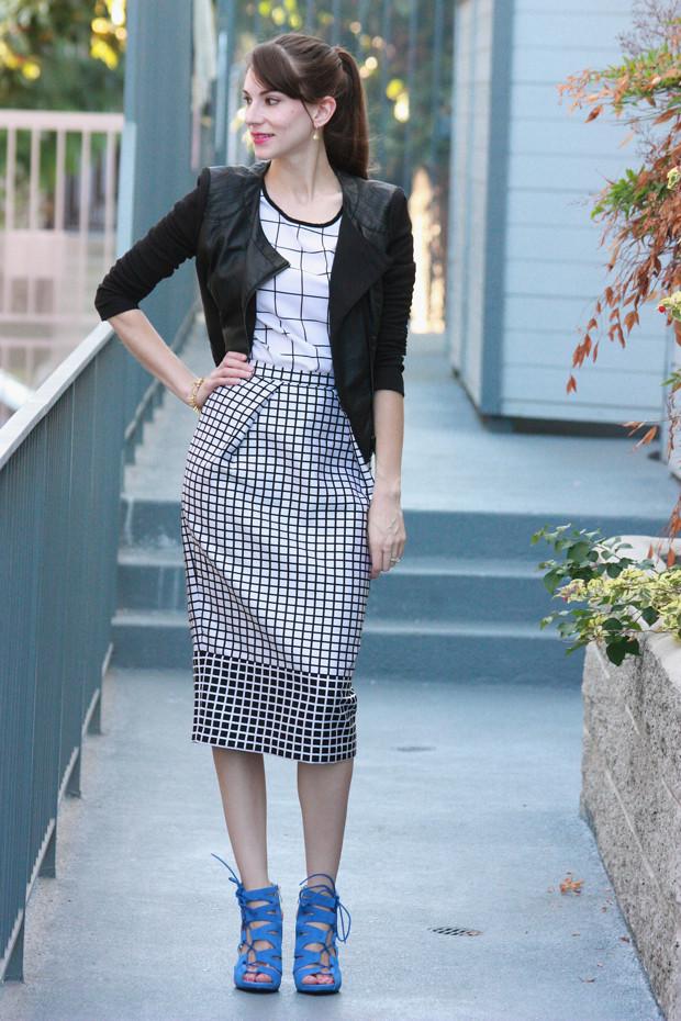 black and white midi skirt, blue heels