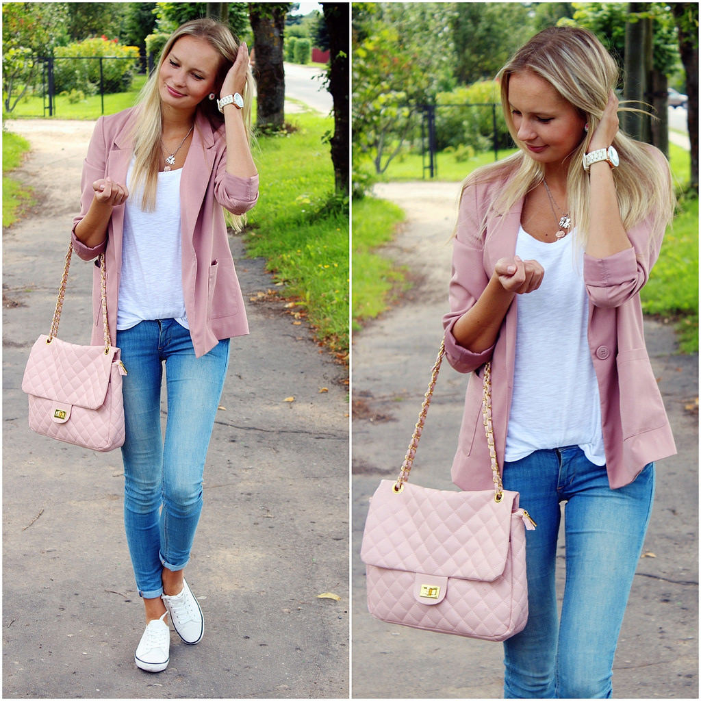 casual-outfit-with-blush-pink-blazer