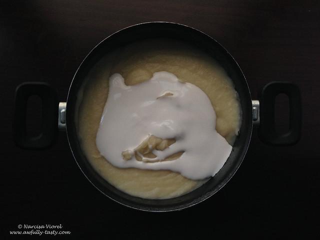 Supă cremă din țelină și păstârnac cu gorgonzola
