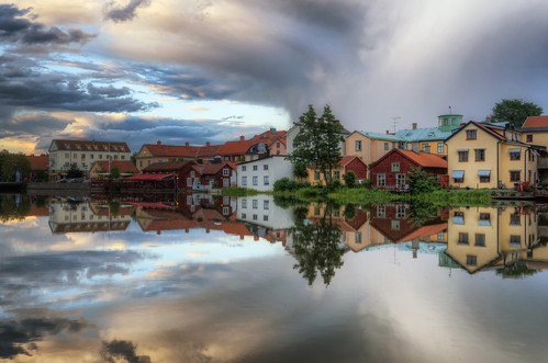 city trees houses sky lake clouds reflections landscape sweden gamlastan sverige oldtown hdr eskilstuna waterscape eskilstunaån
