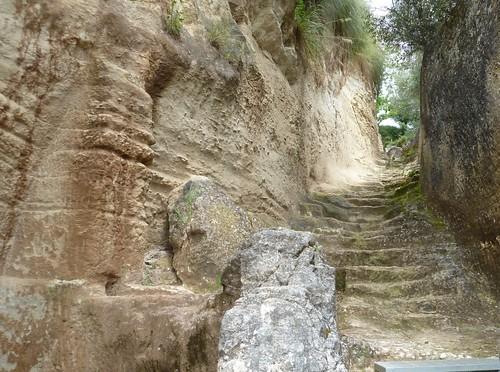 Grotten in Zungri (4474)