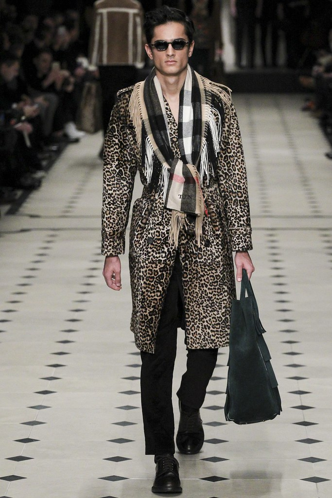 FW15 London Burberry Prorsum021_Tarun Nijjer(VOGUE)