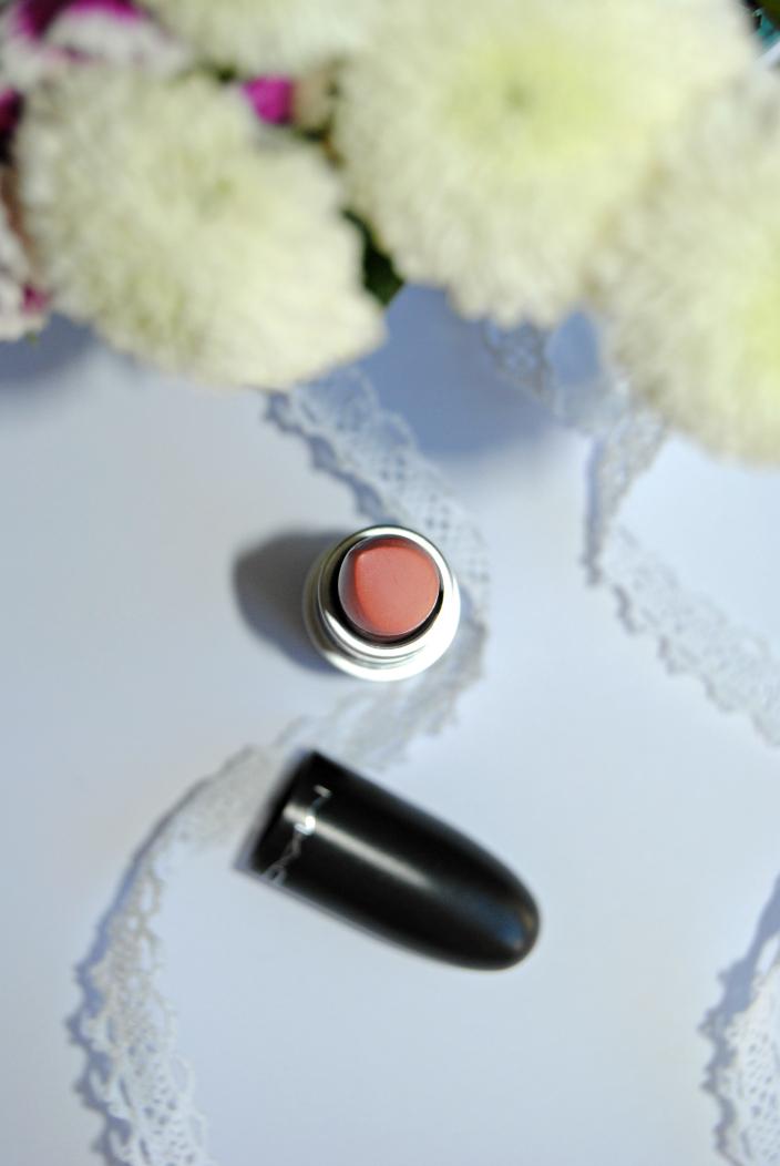 Kinda Sexy MAC Lipstick (01)