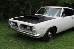 executive car(0.0), pontiac gto(0.0), automobile(1.0), automotive exterior(1.0), vehicle(1.0), plymouth barracuda(1.0), compact car(1.0), antique car(1.0), land vehicle(1.0), muscle car(1.0), coupã©(1.0), sports car(1.0),
