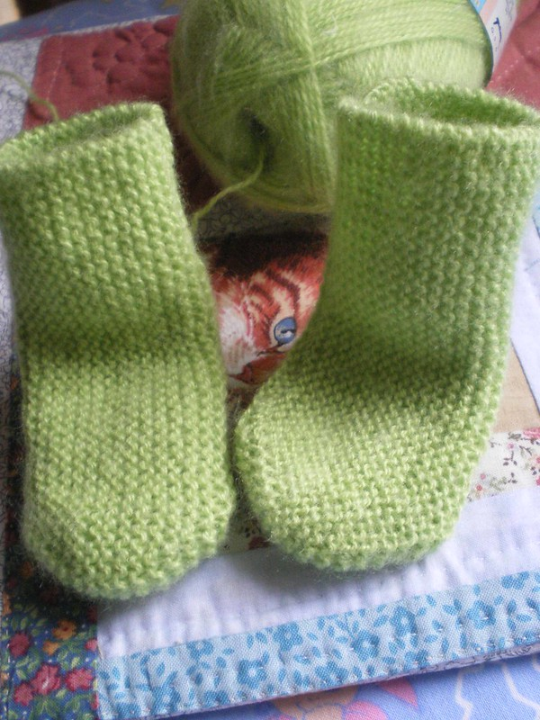 Tricot  Layette facile - Chaussettes longitudinales au point mousse