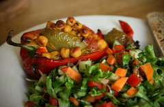 Roasted red peppers with chickpeas and salad by Mo…