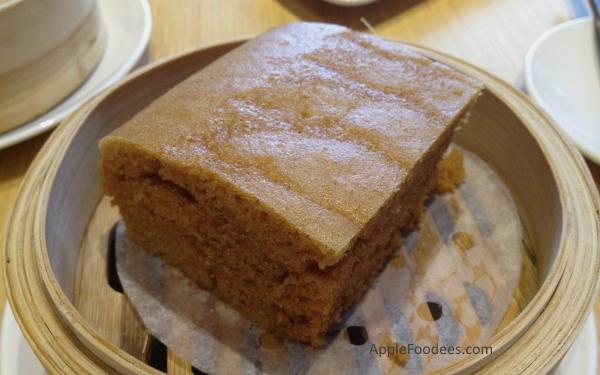 TimHoWan-Steamed-Egg-Cake