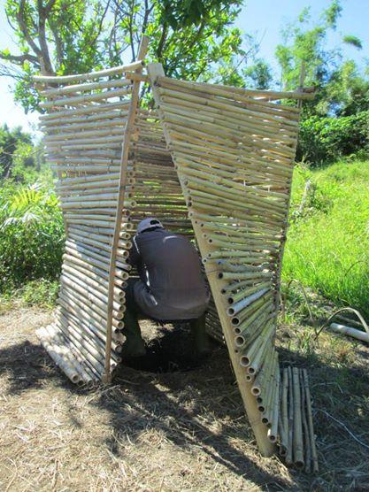9月志工設計搭建的簡易生態廁所