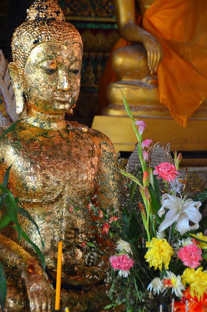 Rituales a budda en Ayutthaya