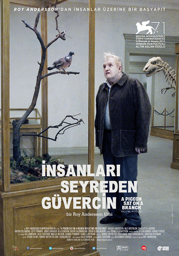 İnsanları Seyreden Güvercin - En Duva Satt på en Gren Och Funderade på Tillvaron – A Pigeon Sat on a Branch Reflecting on Existence (2014)