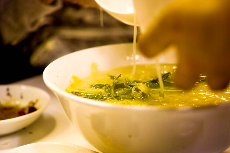 味坊 白菜の漬物と豚肉のスープ