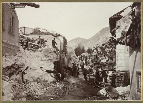 Aludes de nieve sucedidos en Bleiberg-Hüttendorf el 25 de febrero de 1879. Fotografía de Alois Beer. Biblioteca Nacional de Austria