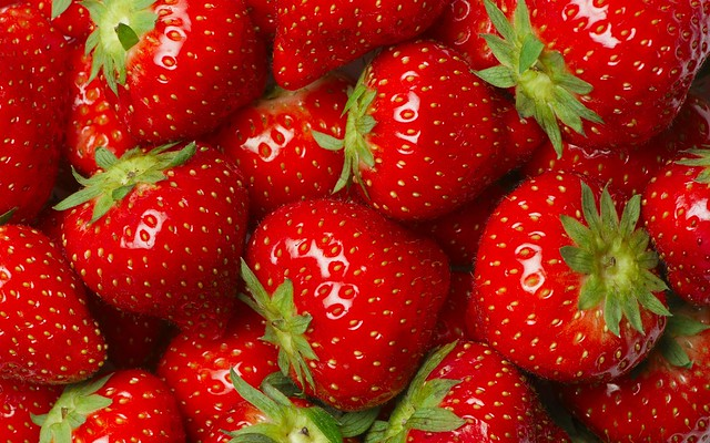 strawberries spectrophotometric analysis