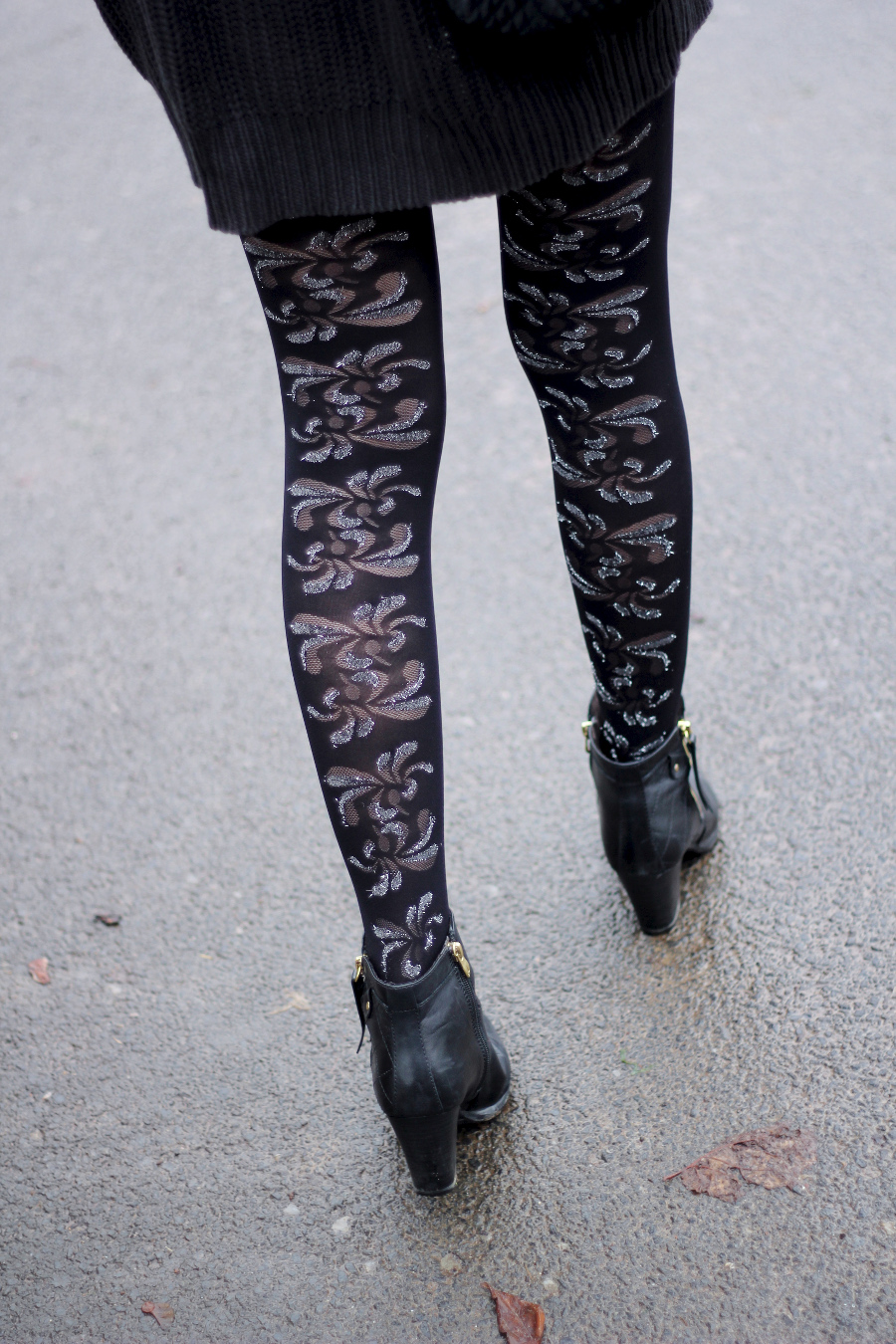outfit-detail-tights-glitter-flourish-sexy-legs