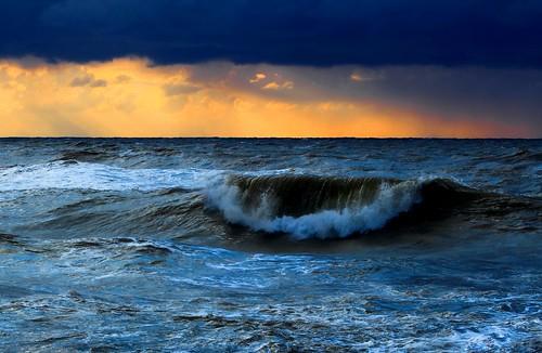 winter light sunset sea sky beach clouds canon israel mediterranean wave rough canondslr mediterraneansea canon70200f4l bigwave roughsea hertzelia cloudysunset winterinisrael hrtzelia hertzeliabeach canon600d pipelinewave canont3i canonkiss5 pipewave sunsetroughseahertzeliabeach