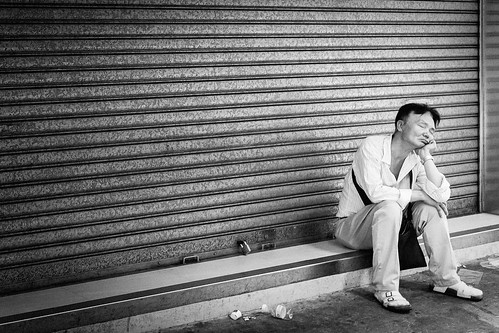 street sleeping man sunrise hongkong fujix100s