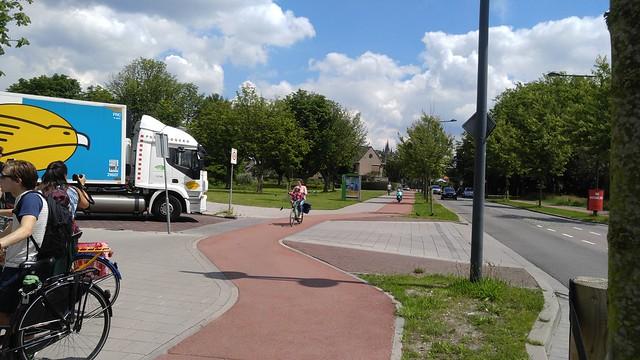 Fig. 10. Ruys de Beerenbrouckstraat