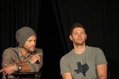 SPN_Dallas_2016_Jared_and_Jensen_main_panel_226
