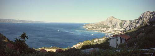 mountains river landscape bay mediterranean pirates explorer croatia explore adriatic dalmatia tamás cetina omis horvátország mészáros r3vision