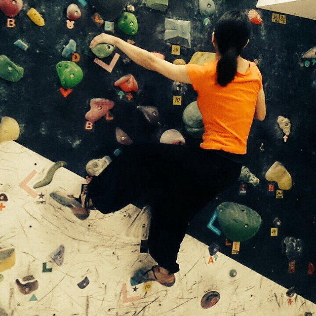 bouldering girls competition