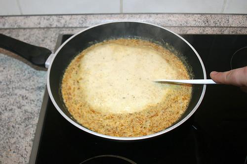 22 - Sauce aufkochen lassen / Bring to boil