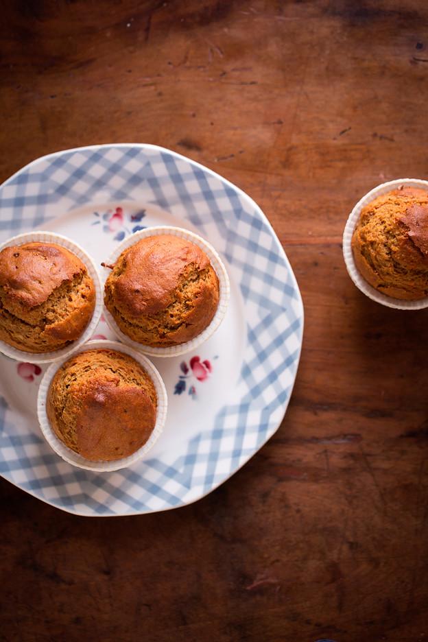 Muffins ai cachi con mandorle e mascobado