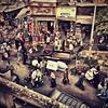 El orden y concierto de los personajes de El Cairo es entrar y salir de campo allá por dónde mejor les parece.