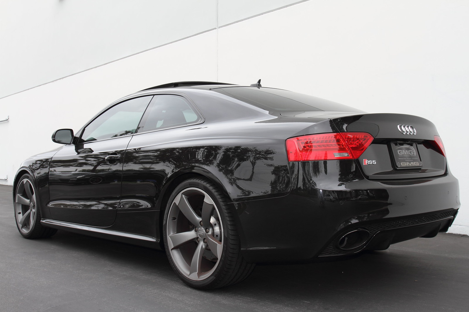 Black Audi Rs5 Lowered With Jrz Gmg Rs1 Coilover