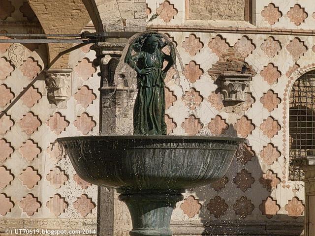 Perugia - Fontana Maggiore3