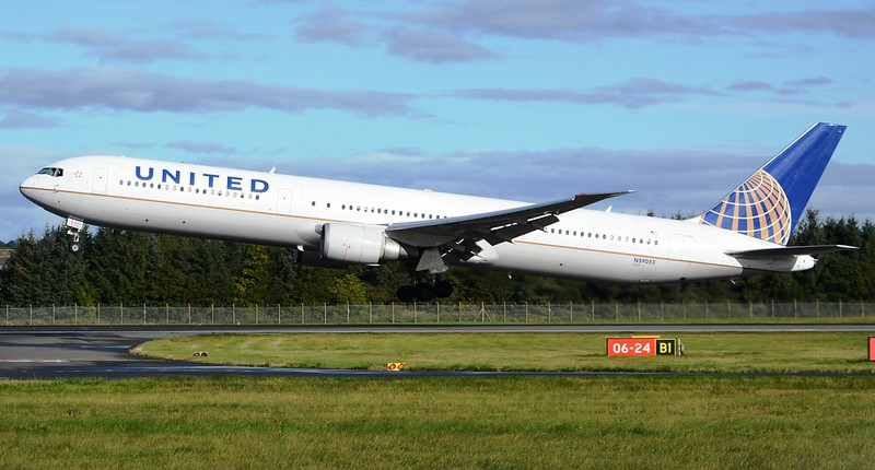 United Airlines Boeing 767-424ER N59053