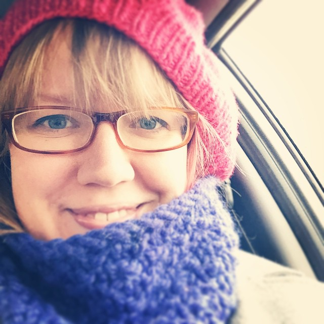 Today, the first snow, is a day for All The Hanknits. Cowl by @toiltrouble, hat by me in Malabrigo.
