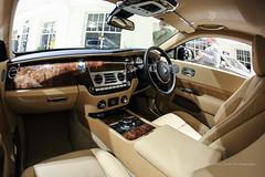 rolls-royce phantom(0.0), automobile(1.0), automotive exterior(1.0), executive car(1.0), rolls-royce wraith(1.0), vehicle(1.0), land vehicle(1.0), luxury vehicle(1.0),