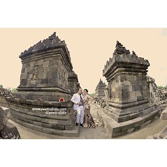 A simple prewedding photo from Ratna & Prima pre wedding album photos. Prewedding photoshoot in Plaosan Temple Yogyakarta, Central Java Indonesia. Pre wedding photo by @Poetrafoto.   Visit our prewedding galleries on http://prewedding.poetrafoto.com and l