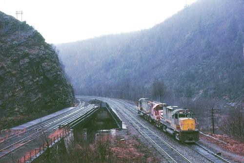 railroad train railway lv lehighriver glenonoko fallenflags lehighgorge mauchchunk highspeedektachrome lehighvalleyrailroad alcoc420 alcors18 copyrightminingcamper